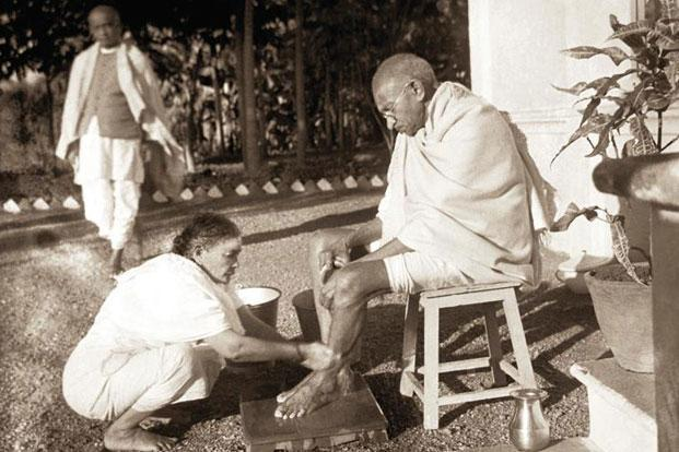 A picture by Kanu Gandhi.