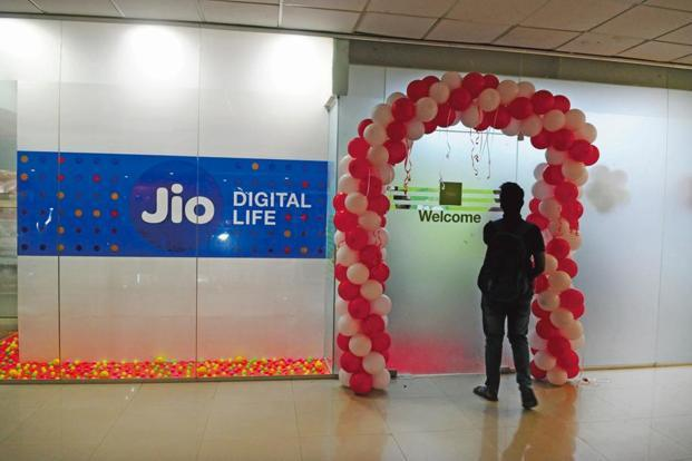 Reliance Jio was the 'hottest keyword' of 2016 with 116 million page views in both Hindi and English content, owing to the group's launch of multiple free calls and data services, UC News said. Photo: