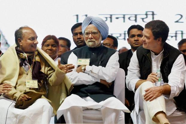 Congress vice-president Rahul Gandhi with former Prime Minister Manmohan Singh and senior Congress leader AK Antony at the party's Jan Vedna Sammelan at Talkatora Stadium in New Delhi on Wednesday. Photo: PTI