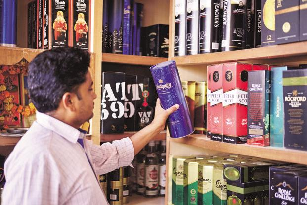 At United Spirits, while overall volumes were flat, net sales rose by 3.1% from a year ago, while material costs actually declined by 1.6%. Photo: Pradeep Gaur/Mint