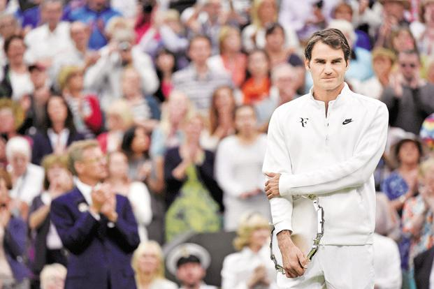 Roger Federer also kept alive the chance of a dream final with great rival Rafa Nadal, who plays the second semi-final against 15th seed Grigor Dimitrov. Photo: Reuters