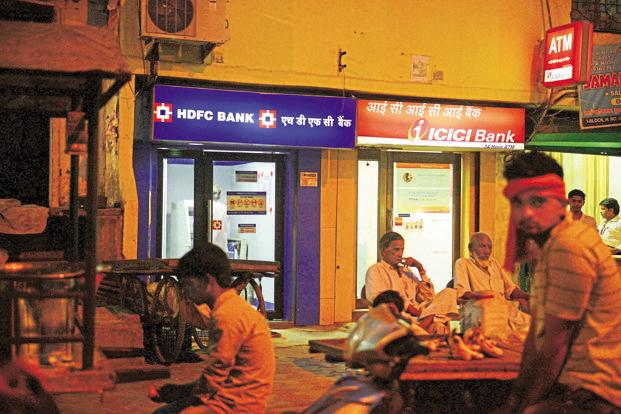 HDFC Bank is perhaps the best placed to weather competition as it does as much credit-card business as three of its nearest rivals put together. Photo: Pradeep Gaur/Mint