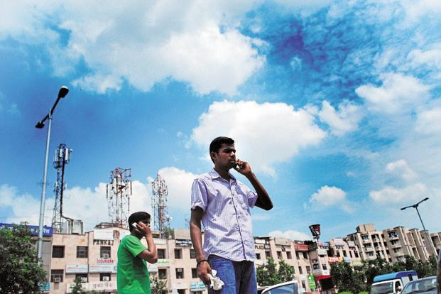 Trai will conduct five 'test drives' of call drop audits in Jaipur, Bhopal, Hyderabad, Bengaluru and Kolkata. Photo: Pradeep Gaur/Mint