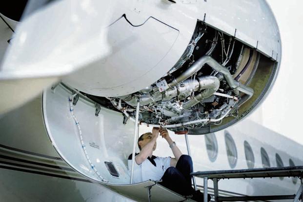 indigo affiliate opens aircraft engineering school