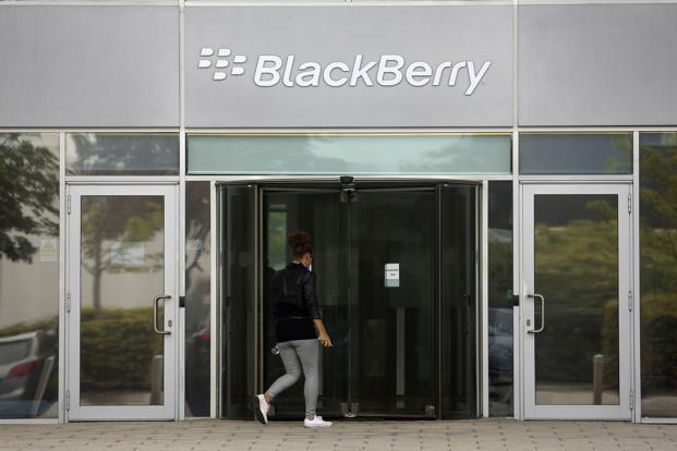 BlackBerry battles Nokia in patent claim