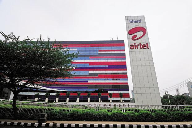 Airtel shares declined by 4.02% to end at Rs360.55 on BSE, after Reliance Jio new offer announcements. Photo: Pradeep Gaur/Mint