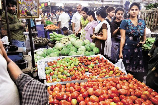 Average food inflation has varied from 7.31% for CPI-AL to 8.88% for CPI-IW. Photo: Hindustan Times