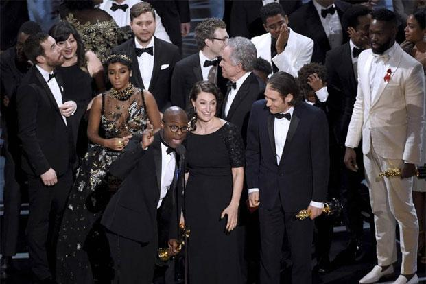 'Moonlight' won the Oscar for Best Picture, beating favorite 'La La Land' for the movie industry's most prestigious award. Announcers Warren Beatty and Faye Dunaway 'mistakenly' announced 'La La Land' as the winner for Best Picture. Photos: Reuters