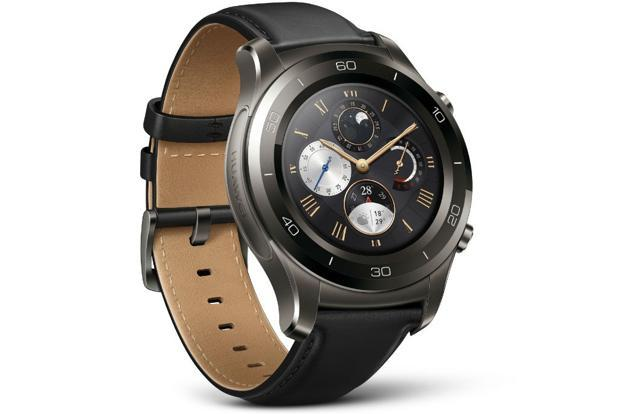 The Huawei Watch 2 with its colourful and slimmer (20mm) rubber bands has a sporty look.