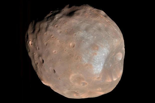 NASA gives Mars orbiter a boost to miss moon Phobos