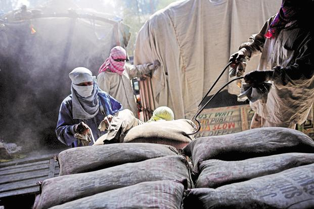 After the government's demonetisation move, cement production growth slowed to 0.5% in November and fell 9% in December—taking production growth for the first nine months of FY17 to a mere 2.6%, according to Ambit Capital. Photo: Priyanka Parashar/Mint