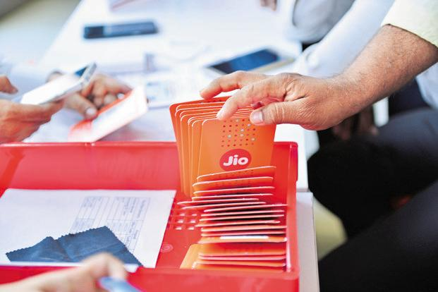 Reliance Jio subscribers will have the option of continuing with one of the new prepaid tariff plans, or additionally sign up for the Jio Prime membership by paying a one-time subscription fee of Rs99. Photo: Aniruddha Chowdhury/Mint