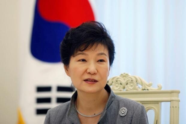File photo. Park Geun-hye committed a 'grave' violation of the law through leaking classified documents to her friend Choi Soon-sil, acting court president Lee Jung-mi said in her ruling. Photo: Reuters