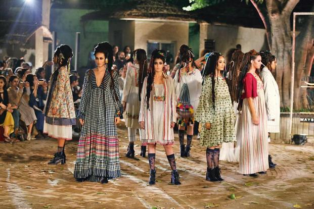 The péro Autumn/Winter 2017 show at the National Crafts Museum in Delhi.