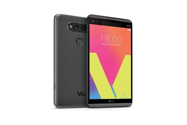 By far the most lucrative deal on the Mobile Carnival is on the LG V20. This big screen marvel is selling at direct discount of  Rs 36,958 (original price: Rs 54,000).