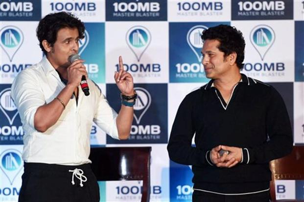 The track was recorded with Bollywood singer Sonu Nigam, who praised Tendulkar for his singing prowess. Photo: PTI