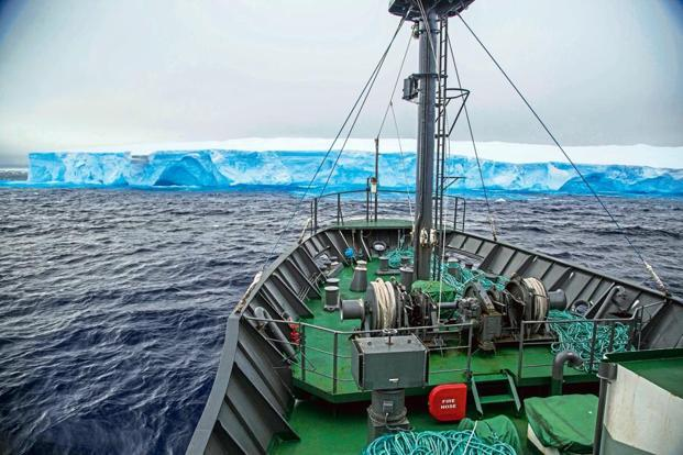 'Sam Simon' taking in the sights of Antarctica as it makes its way north to submit the evidence of 'Thunder's' confiscated fishing gear. Photo: Sea Shepherd Global/ Giacomo Giorgi
