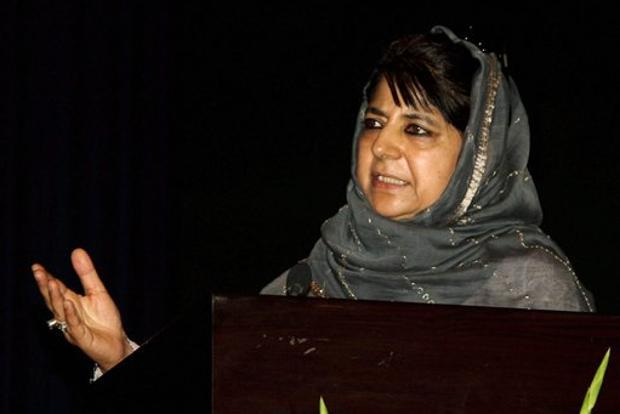 Farooq Abdullah confused over impact of stone pelting: Mehbooba Mufti