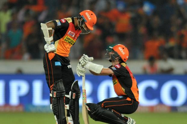 Kane Williamson smashed a brilliant 89 off just 51 balls and shared 136 runs with opener Shikhar Dhawan (70) as Hyderabad scored 191 for 4 after electing to bat at the Rajiv Gandhi International Stadium. Photo: AFP