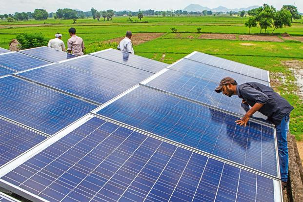 India has crossed 10 gigawatt (GW) in operational solar energy capacity and aims to touch 100GW by 2022, attracting many foreign funds and clean energy firms that see a new opportunity opening up. Photo: Bloomberg