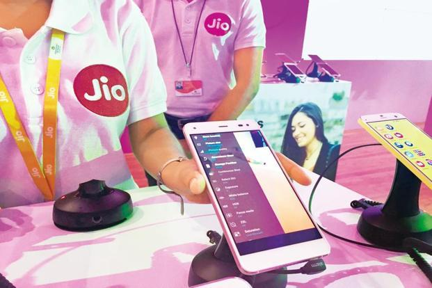 Reliance Jio will see capital expenditure of another Rs18,000 crore in the April-June quarter, says Anshuman Thakur of Reliance Industries. Photo: PTI