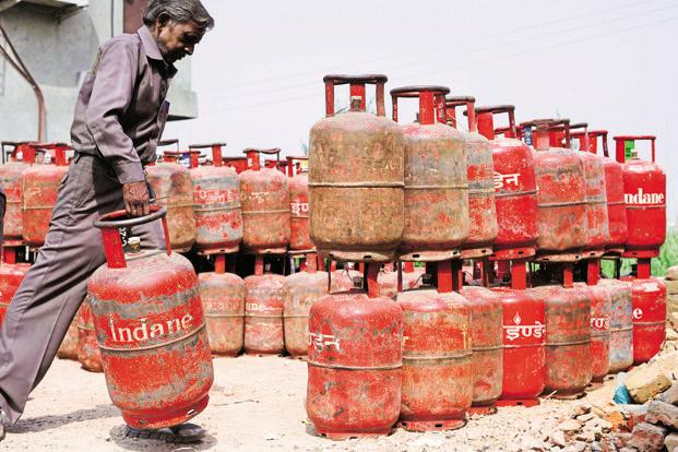 Indian Oil Corp., Bharat Petroleum Corp. and Hindustan Petroleum Corp. issued a total 3.25 crore new LPG connections last fiscal year, the highest-ever. Photo: Mint
