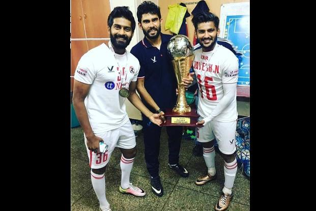 For coach Khalid Jamil (centre), it's something he will cherish, as he was booted out by Mumbai FC last season for the club's poor performance. Meanwhile, Mumbai FC finished at the bottom in the 10-team league this season. Courtesy: Hero I-League‏/twitter