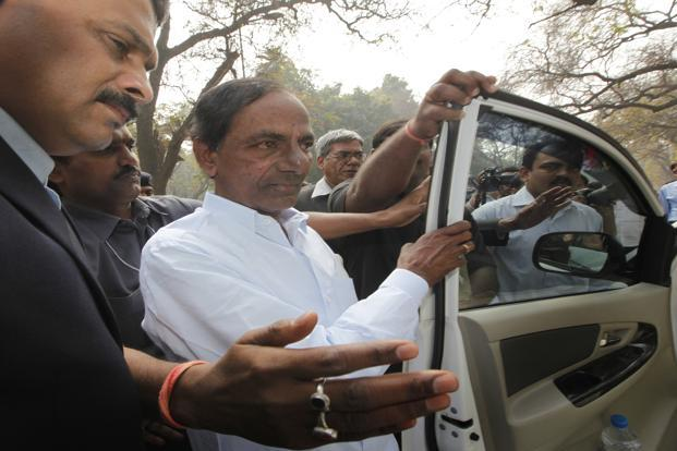 Telangana chief minister Chandrasekhar Rao said that by allotting Rs500 crore to farmers federation, the issue of the agricultural community not getting minimum support price will be solved.  Photo: HT
