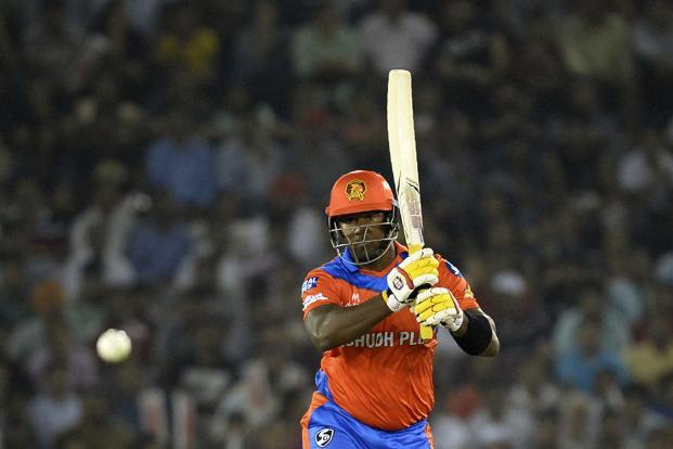 Dwayne Smith turned out to be the architect of the victory for Gujarat Lions with a whirlwind 74 off just 39 deliveries to get the visitors off to a flier while chasing a challenging 190 for win. Smith struck eight boundaries and four huge hits over the fence during his explosive knock. Photo: AFP