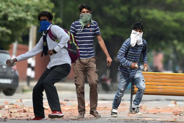 Kashmir needs an opening of dialogue, first with the mainstream political parties, followed by a widening circle of the willing. Photo: AFP
