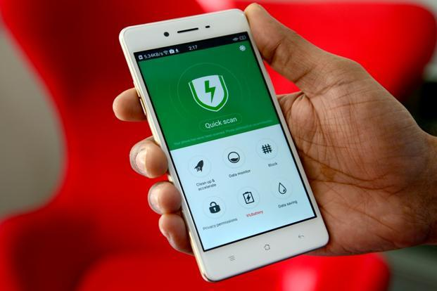 Apps with spyware continue to be a major risk factor and they are not limited to apps from third-party stores or websites anymore. Photo: Ramesh Pathania/Mint.