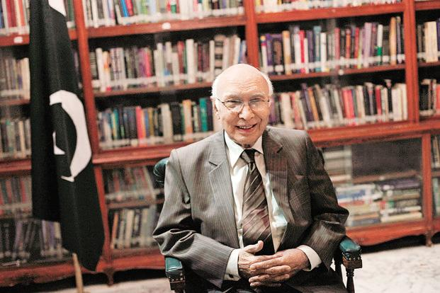 Sartaj Aziz says Pakistan would look into it if India shows interest in an interaction with Pakistani PM Nawaz Sharif. Photo: Reuters