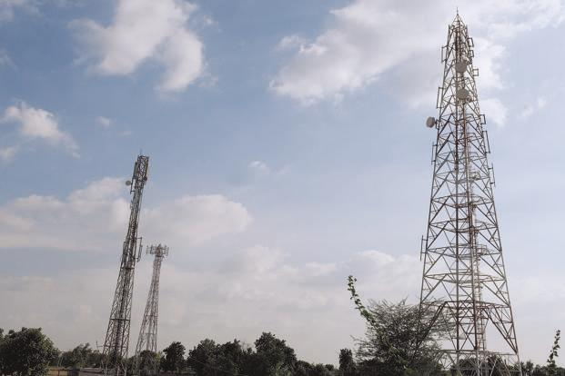There are around 4.5 lakh mobile towers in the country, mounted with over 15 lakh base stations. Photo: Rajkumar/Mint