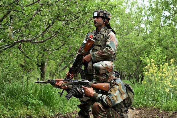 Army strikes Pakistan posts in punitive fire