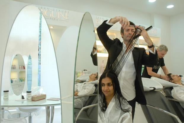 Salons have replaced the good old barber shop in India, with even global brands making their presence felt. Photo: Mint