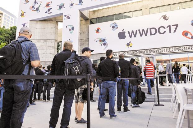 A queue outside the McEnery Convention Center before the start of WWDC. Photo: Bloomberg