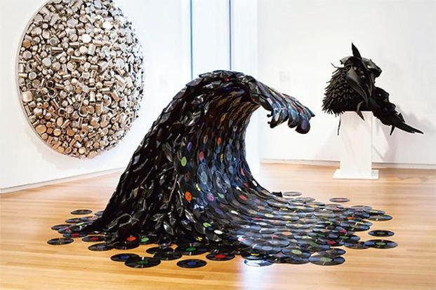 'Sound Wave' (2007) by Korean artist Jean Shin.