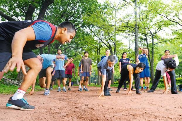 Abinav Shankar Narayan of National Corps Fitness conducting a fitness class in Cubbon Park, Bengaluru. Photo: Hemant Mishra/Mint