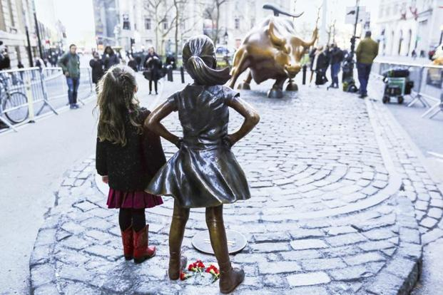 Arturo Di Modica, the artist of the 'Charging Bull' statue, considers the 'Fearless Girl' an attack on his art. Photo: Getty Images