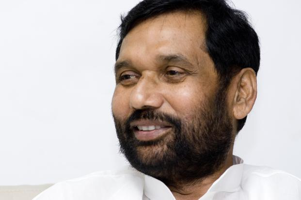 Ram Vilas Paswan resumed his office on Monday after a fortnight leave taken to undergo heart surgery in London. Photo: Mint