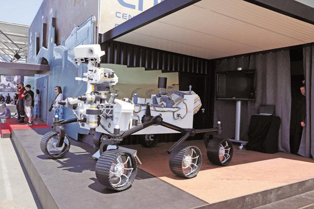 A Mars 2020 rover developed by NASA. The basic structure of the new version envisioned capitalizing on re-using design work done for Curiosity, which landed on Mars in 2012. Photo: Bloomberg