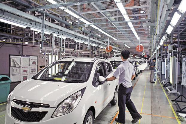 General Motors's dealers claim they have been offered a measly compensation of just about Rs100 crore. Photo: Bloomberg