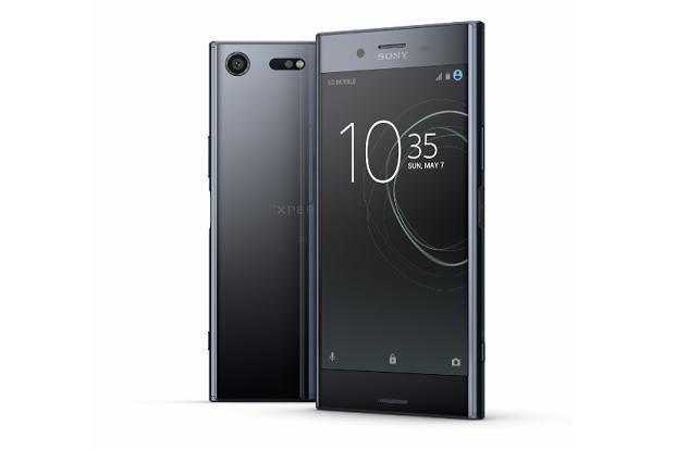 Sony Xperia XZ Premium comes with a 5.5-inch display with 4K resolution of 3,840x2,160p.
