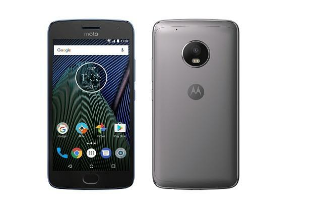 Moto G5 Plus comes with a water-resistant coating, which means it can survive dust, rain and splashes of water.