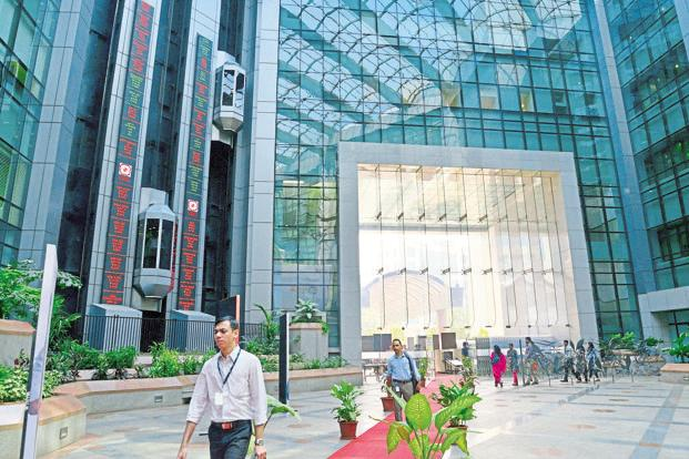 The National Stock Exchange (NSE) resumes trading after three hours of closure on Monday morning following a technical issue. Photo: Aniruddha Chowdhury/Mint