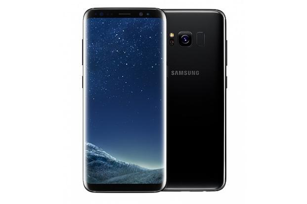 Samsung's new flagship, Samsung Galaxy S8+, has a much bigger 6.2-inch screen compared to its predecessor, the Galaxy S7 Edge (5.7-inch).