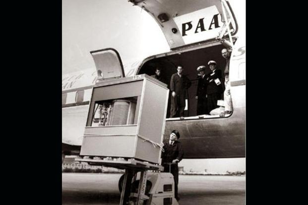 A 5 MB IBM hard drive being loaded on to a plane, in 1956. Photo: IBM