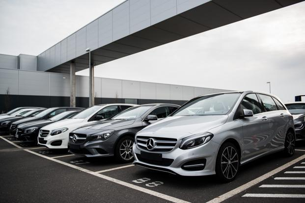 Daimler Begins $255 Million Fix on Over Polluting Diesels, Report Says