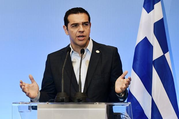 Greece announces new bond issue ending three-year market exile
