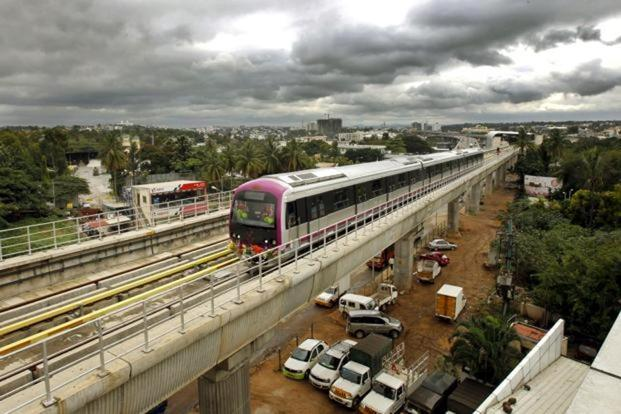 In the last three years, from 2014-2017, the urban development ministry sanctioned Rs30,653.78 crore, out of which only Rs12,345.33 crore was released to various metro rail companies in the country. Photo: Ajay Aggarwal/Hindustan Times